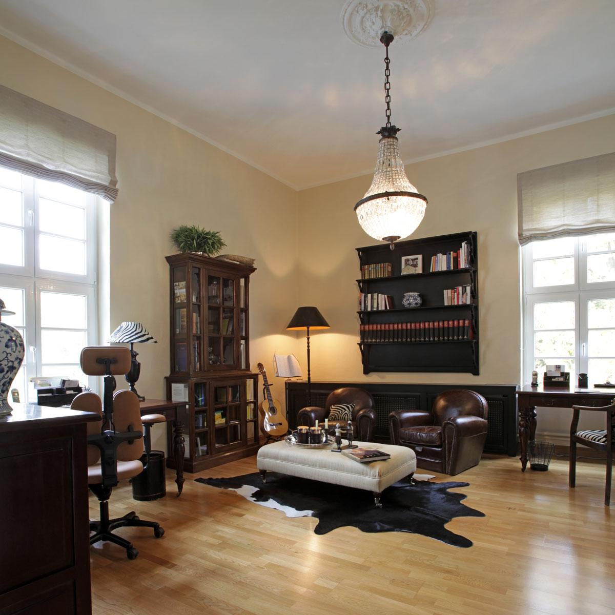 exklusive mietwohnung im schloss m rchenhaftes wohnen im schloss immobilienteam. Black Bedroom Furniture Sets. Home Design Ideas