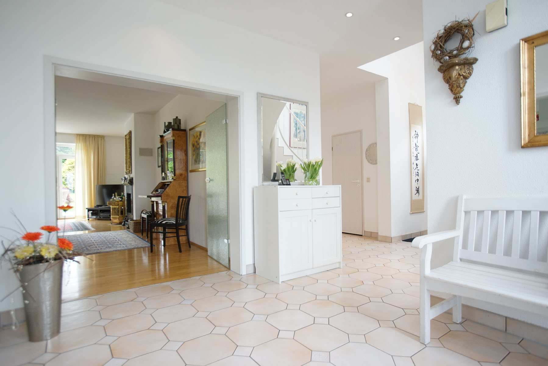 gro es haus mit zauberhaftem garten und pool in sch ner lage von bonn ckesdorf immobilienteam. Black Bedroom Furniture Sets. Home Design Ideas